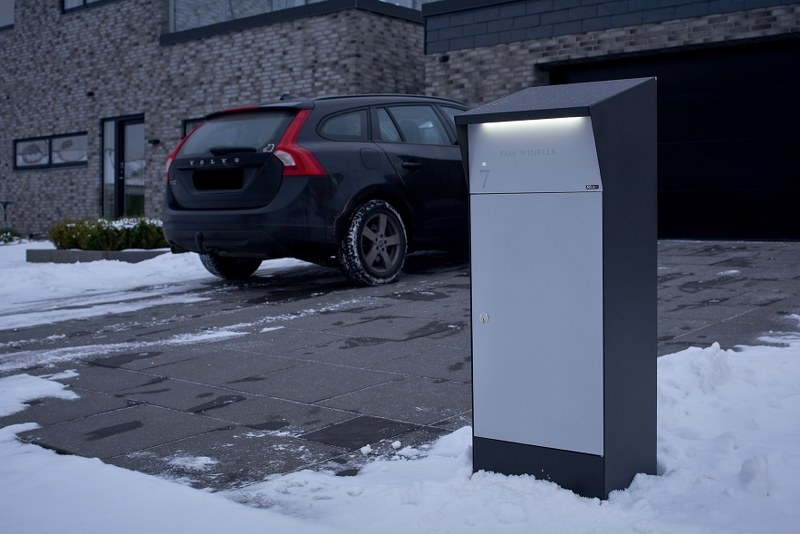 Pakketbrievenbus met LED-verlichting Allux Bjørn - zwart/grijs